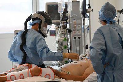 Salud confirma 25 fallecidos por coronavirus y 888 nuevos positivos