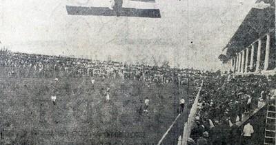 La Nación / A 95 años del primer partido amistoso en el renovado estadio de la Liga Paraguaya