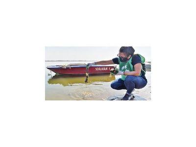 Pese a la pandemia, jóvenes se unen para limpiar la bahía