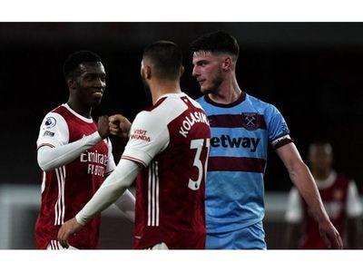 West Ham cae de visita sin Balbuena