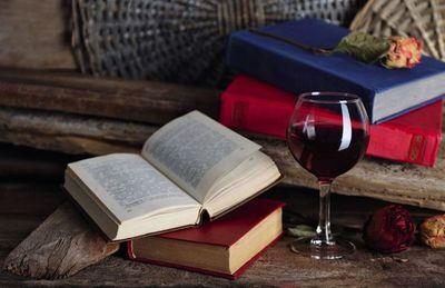Lecturas con un vino y una flor