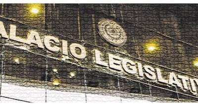 La Nación / La politiquería lleva al país a una explosión