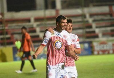 San Lorenzo vuelve a sonreír de la mano del Tiburón Torres