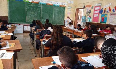 Evalúan a estudiantes para crear estrategias que mejoren el bajo nivel educativo en Paraguay