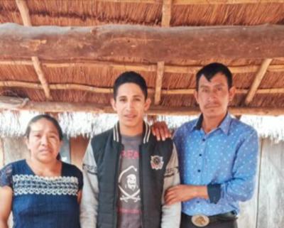 Adelio Mendoza dijo que dos nativos estaban entre sus secuestradores