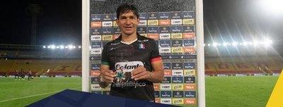 'Búfalo' Ovelar anotó un golazo y fue la figura del partido en Colombia