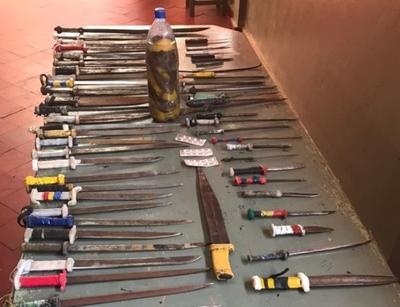 Emboscada: Incautan armas blancas durante requisa en Penal Padre de la Vega