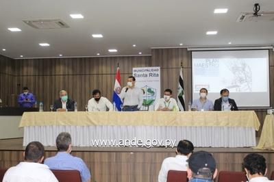 ANDE presenta plan de inversiones a intendentes de Alto Paraná