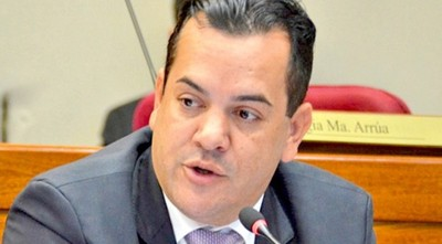 Fiscalía tiene a Friedmann bajo sospecha de enriquecimiento ilícito