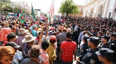 HOY / Campesinos se movilizarán la próxima semana y no descartan cierre de rutas