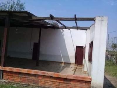 Fuerte temporal dejó daños materiales en Puerto Casado