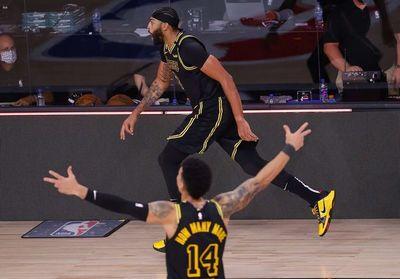 Los Lakers amplían la ventaja en las finales de la Conferencia Oeste