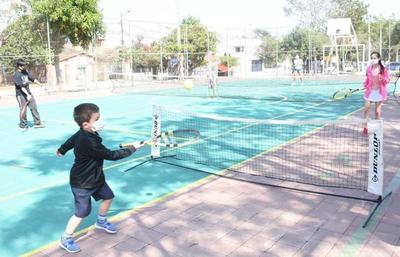 Inauguran la Primera Cancha Municipal de Tenis en Asunción