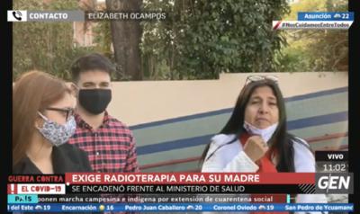 HOY / Elizabeth Ocampos, hija de una paciente oncológica, exige radioterapia para su madre