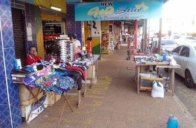 "Comerciantes preparan ""sentata"" frente a la Gobernación de Itapúa"