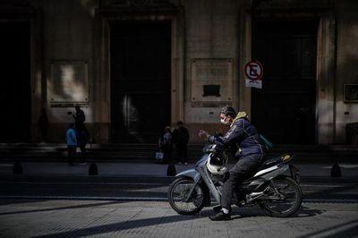 Argentina prorroga restricciones con especial foco en el interior del país