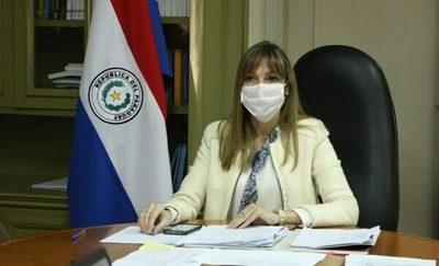 Ministra borra publicación tras burlas en redes