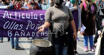 La Nación / Bañadenses urgen implementación de ley de ollas populares