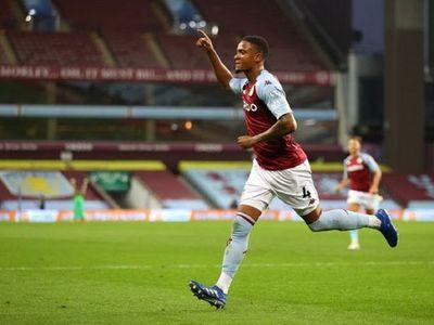 Aston Villa comienza la Premier con triunfo ajustado