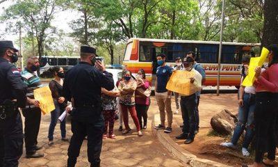 Vecinos del Km 9 Monday de CDE piden servicio de transporte público