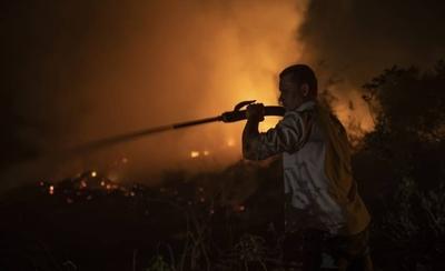 HOY / Humareda de incendios en Brasil abarca varios países de Sudamérica