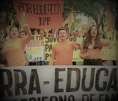 Denuncian la situación degradante de la juventud paraguaya por falta de tierra, pan y trabajo