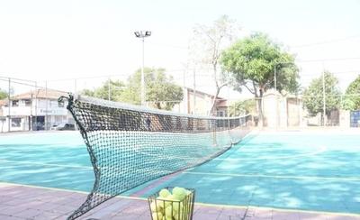 HOY / Habilitan la primera cancha de tenis municipal en Asunción