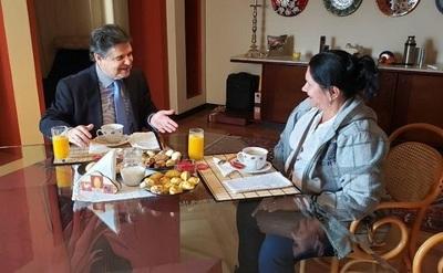 Ministro del Interior pidió disculpas, afirma madre de Edelio