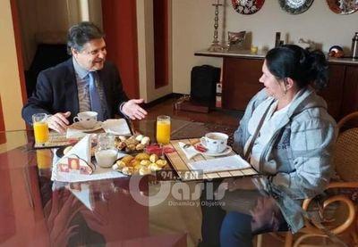 Euclides Acevedo y Obdulia Florenciano se reunieron luego de acalorada discusión