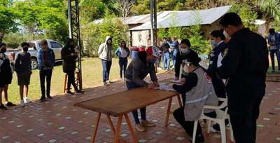 42 connacionales salen de albergue de Caaguazú