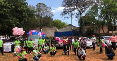 La Nación / Con caravana, docentes destacan valentía de sus estudiantes ante crisis sanitaria