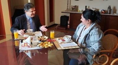 Finalmente, el ministro del Interior se reunió con doña Obdulia