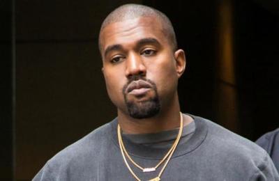Twitter suspende la cuenta de Kanye West tras el polémico video en el que orina su premio Grammy