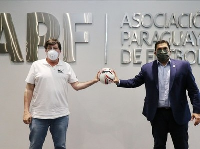 La nueva pelota del fútbol paraguayo