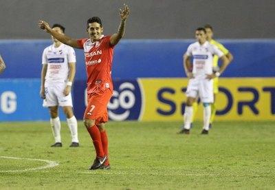 Silvio Torales amarga el debut de 'Rorro' López en Nacional