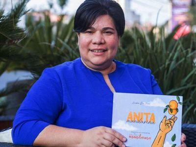 Presentan cuento infantil Anita Mandarina