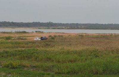 Bajo nivel del río Paraguay obliga a fraccionar carga de embarcaciones