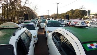 Ciudad del Este: Taxistas y otros rubros comerciales anuncian movilización para este martes