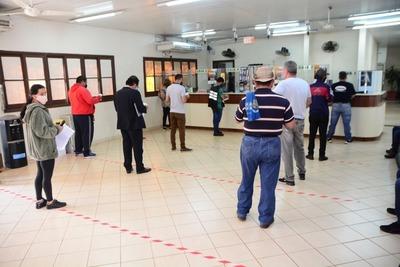 Cierre de Municipalidad de CDE, terminal y otras dependencias es ilegal, afirman