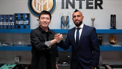 HOY / Barcelona traspasa al chileno Arturo Vidal al Inter de Milan