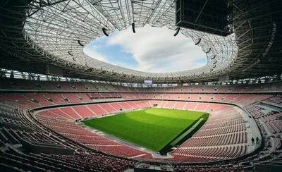"""HOY / La Supercopa de Budapest; la """"prueba piloto"""" con público de la UEFA"""