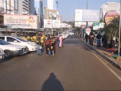 Esteños se movilizan por reapertura total del Puente de la Amistad