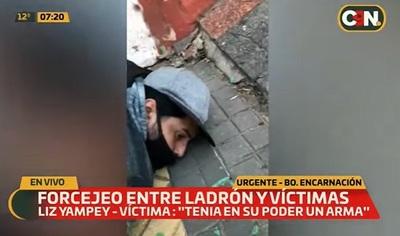 Capturan a un hombre que entró a robar en casa de periodista