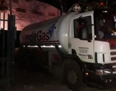 Piden intermediación de Embajada argentina tras muerte de menor en explosión