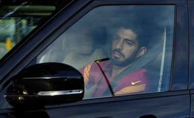 HOY / Se complica la salida de Suárez del Barcelona