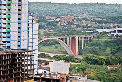 Apertura fronteriza será luego de este 26, acordaron Abdo y Bolsonaro