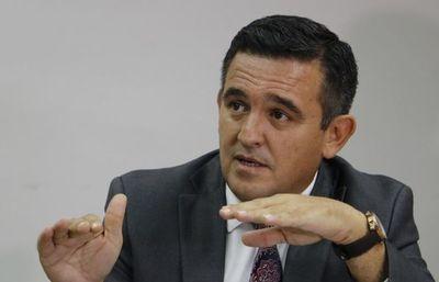 """Petta dice que """"gremios muy pequeños que tienen mucha prensa"""" son los que critican su gestión"""