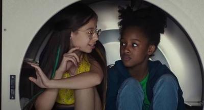 """HOY / Gobierno de Bolsonaro pide suspender película """"Cuties"""" e investigar a Netflix"""