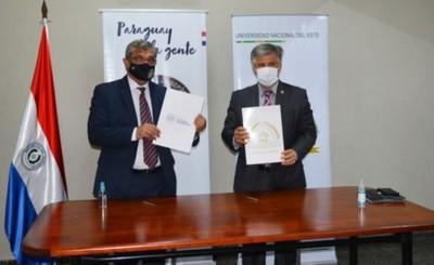 Senad y UNE firman convenio para trabajos de extensión universitaria