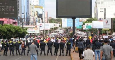 La Nación / Piden aumentar seguridad en CDE, no solo la economía